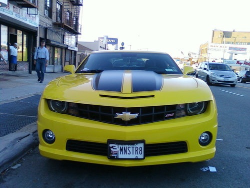 Vanity license plate: Monster V8